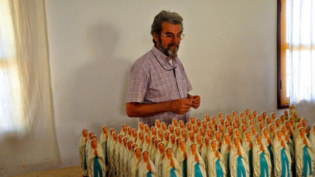 Le père Emmanuel du village de Savoigne